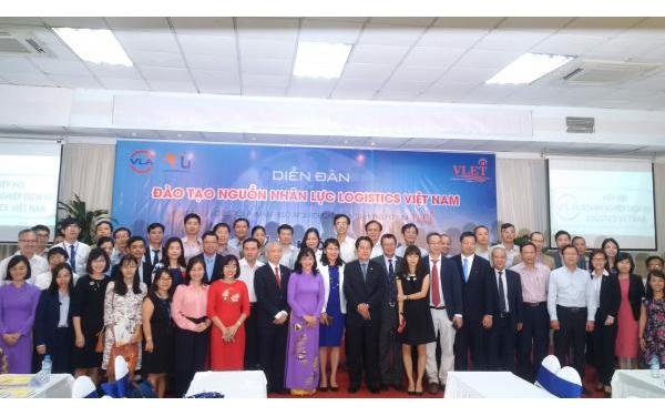 Học viện HKVN tăng cường hợp tác đào tạo dịch vụ logistics