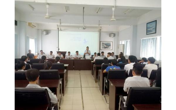 Học viện HKVN đối thoại với sinh viên