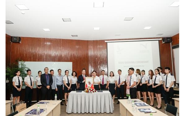 Học viện Hàng không Việt nam (VAA) tiếp và làm việc với Học viện Hàng không quốc tế Hồng Kông (AA)