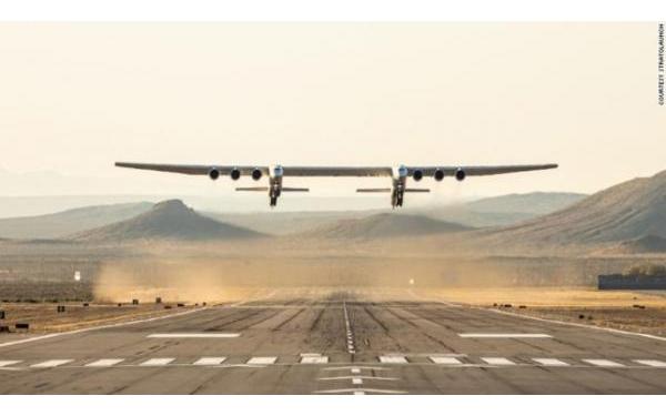 Máy bay lớn nhất thế giới chính thức cất cánh