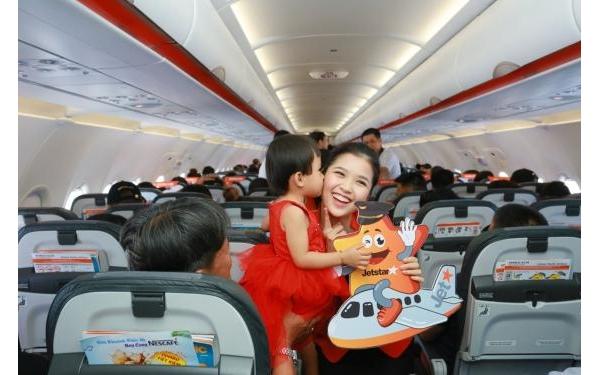 Gia đình bay 4 người sẽ được hoàn tiền 1 người khi bay chặng Đà Nẵng - Vinh/Thanh Hóa...