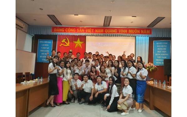 Giao  lưu, gặp mặt sinh viên Lào và sinh viên Campuchia nhân dịp Tết cổ truyền